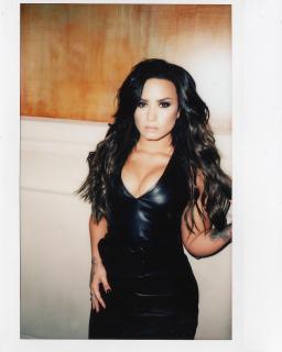 Demi Lovato [1080x1350] [156.95 kb]