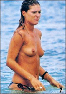 Francesca Piccinini en Topless [910x1297] [140.12 kb]