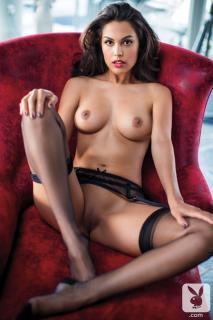 Raquel Pomplun en Playboy Desnuda [720x1080] [145.09 kb]