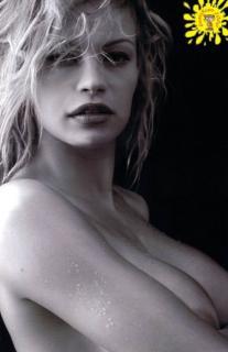 Anna Falchi Desnuda [493x760] [43.79 kb]