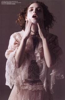 Winona Ryder [1308x2000] [249.08 kb]