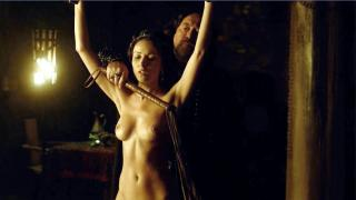 Karen Hassan en Vikings Desnuda [1280x720] [109.61 kb]
