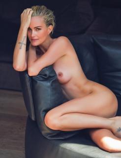 Laeticia Hallyday en Lui Magazine Desnuda [970x1261] [127.23 kb]