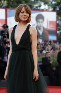 Emma Stone [936x1402] [162.4 kb]