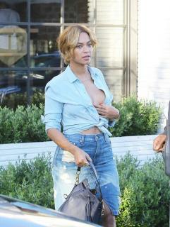 Beyoncé [635x842] [156.99 kb]