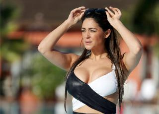 Casey Batchelor [1600x1150] [244.79 kb]