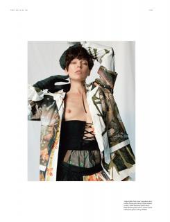 Milla Jovovich en Pop Magazine Desnuda [1151x1500] [225.98 kb]