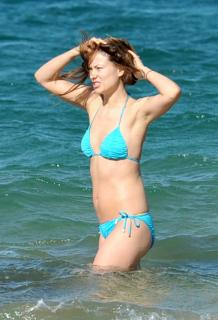 Olivia Wilde en Bikini [1336x1961] [316.3 kb]