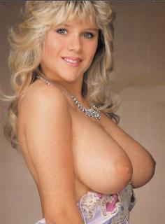 Samantha Fox en Playboy Desnuda [724x981] [76.06 kb]