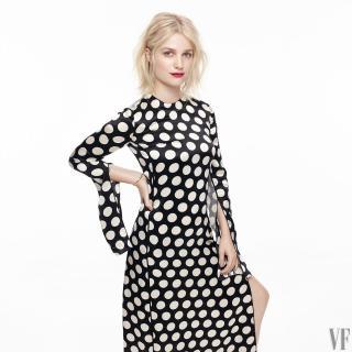 Alison Sudol en Vanity Fair [1440x1440] [248.13 kb]