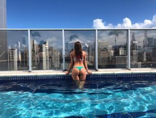 Amanda Parraga in Bikini [1080x818] [209 kb]