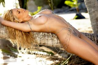 Willa Ford en Playboy Desnuda [1024x680] [129.23 kb]