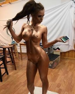 Allison Parker Desnuda [736x919] [141.11 kb]