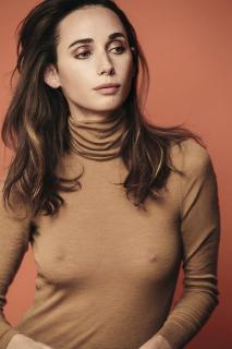 Rebecca Dayan en P Magazine [800x1200] [201.71 kb]
