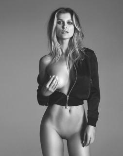 Joanna Krupa en Treats! Magazine Desnuda [3085x3900] [2862.92 kb]