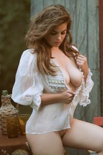 Ronja Forcher en Playboy Desnuda [1000x1500] [341.56 kb]