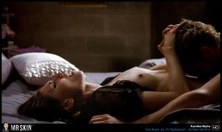 Karolina Wydra en True Blood Desnuda [1299x777] [78.88 kb]