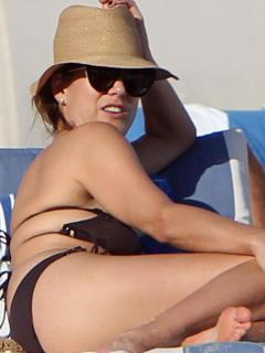 Kate Walsh en Bikini [900x1200] [82.77 kb]