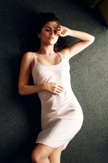 Selena Gomez [1000x1500] [382.98 kb]