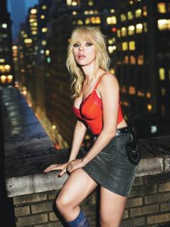 Scarlett Johansson en W Magazine [1198x1600] [335.97 kb]