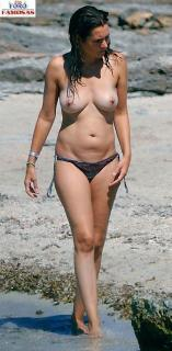 Eva Santolaria en Topless [591x1200] [148.56 kb]