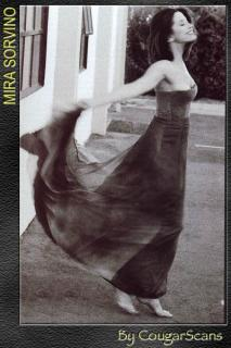 Mira Sorvino [400x600] [53.91 kb]