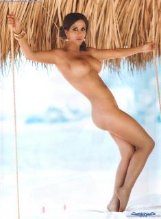 Julia Orayen en Playboy Desnuda [1600x2175] [358.23 kb]