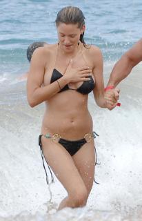 Jill Wagner en Bikini [1938x3000] [436.4 kb]