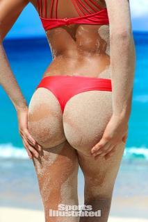Daniela Lopez Osorio en Bikini [600x900] [124.71 kb]