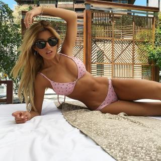 Oriana Marzoli en Bikini [1080x1080] [382.68 kb]