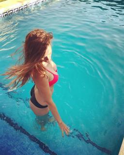 Ana María Polvorosa en Bikini [1080x1350] [250 kb]