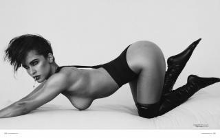 Ellie Gonsalves in Treats! Magazine Nude [2274x1435] [605.45 kb]