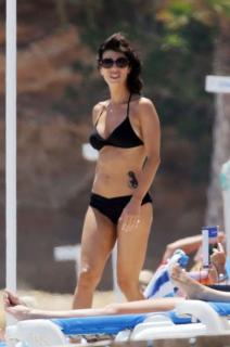 Maribel Verdú in Bikini [385x580] [40.09 kb]