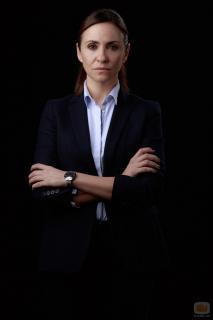 Melanie Olivares [980x1470] [113.09 kb]
