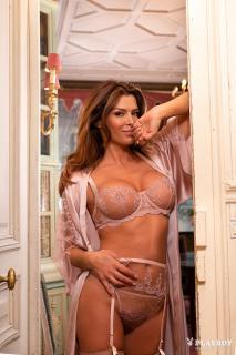 Sabia Boulahrouz en Playboy [1667x2500] [1010.76 kb]