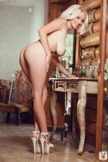 Sarah Summers en Playboy Desnuda [1280x1920] [264.06 kb]