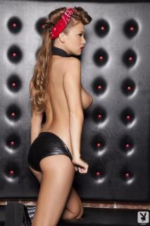 Leanna Decker en Playboy Desnuda [720x1080] [96.86 kb]