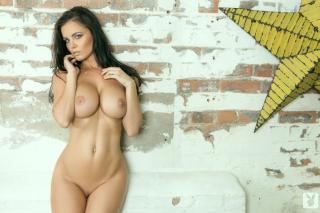 Emma Glover en Playboy Desnuda [999x666] [140.44 kb]