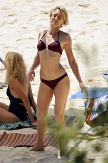 Robin Wright en Bikini [683x1024] [74.43 kb]