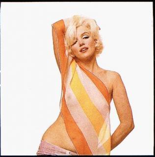 Marilyn Monroe [400x405] [24.22 kb]