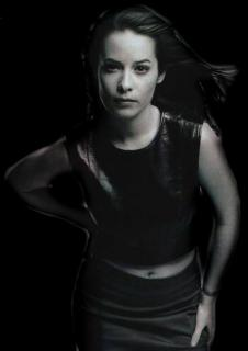 Holly Marie Combs [443x627] [19.09 kb]