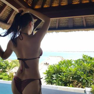 Pia Wurtzbach en Bikini [1080x1080] [237.52 kb]