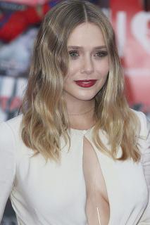 Elizabeth Olsen [800x1200] [315.37 kb]