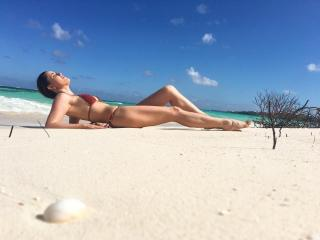 Fernanda Vasconcellos en Bikini [1080x810] [99.56 kb]