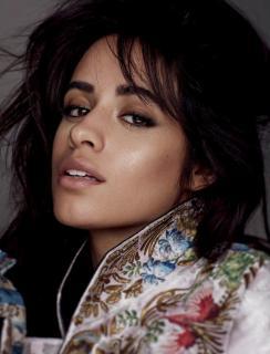 Camila Cabello en Vogue [740x967] [119.35 kb]