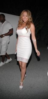 Mariah Carey [1476x3008] [833.23 kb]
