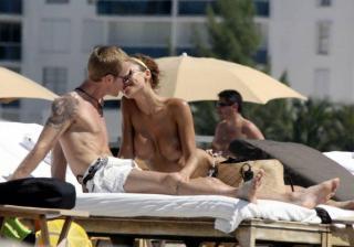 Oksana Wilhelmsson en Topless [1024x719] [79.5 kb]