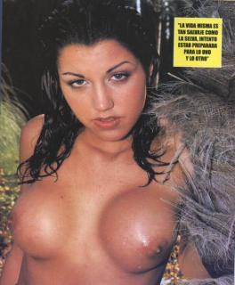 Nuria Bermúdez en Topless [491x595] [46.68 kb]