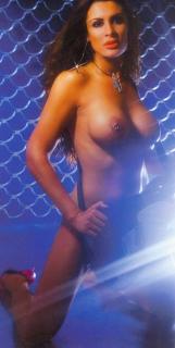 Estíbaliz Sanz in Primera Linea Nude [1000x1986] [311.06 kb]