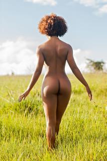 Ivi Pizzott in Playboy Nude [1826x2739] [886.86 kb]